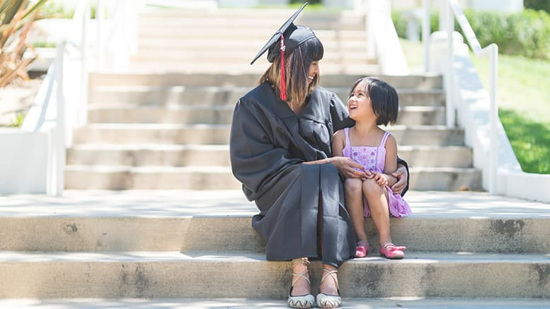 How Do Single Mother to Get Through College Successfully