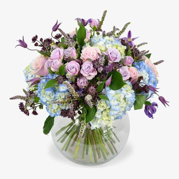 Learn floristry insider secrets with Moyses Stevens-1