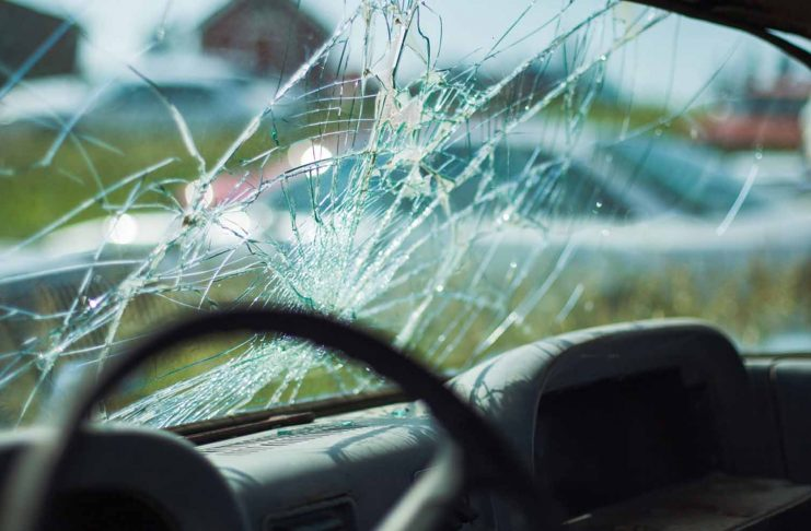 9 Things to Know When Hiring an Auto Glass Company